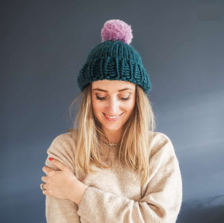 Bobble-optional hat